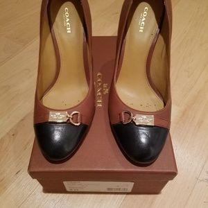 Coach Salina Saddle/black heels